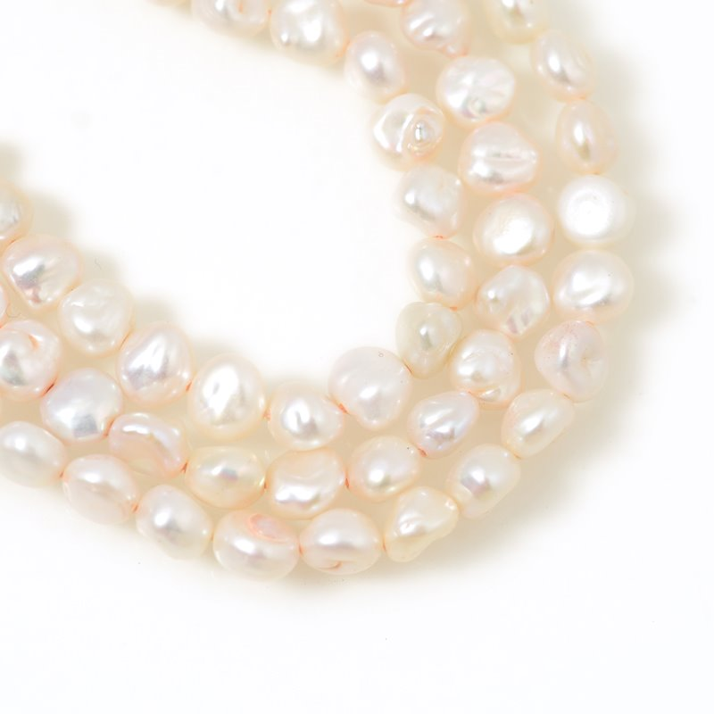 Freshwater Pearls - 6 mm Baroque Flat Pearl Nuggets - Cream Pearl (strand)