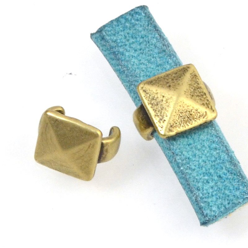 Beads - 5 mm Flat Leather - Square Stud - Antiqued Brass (5)