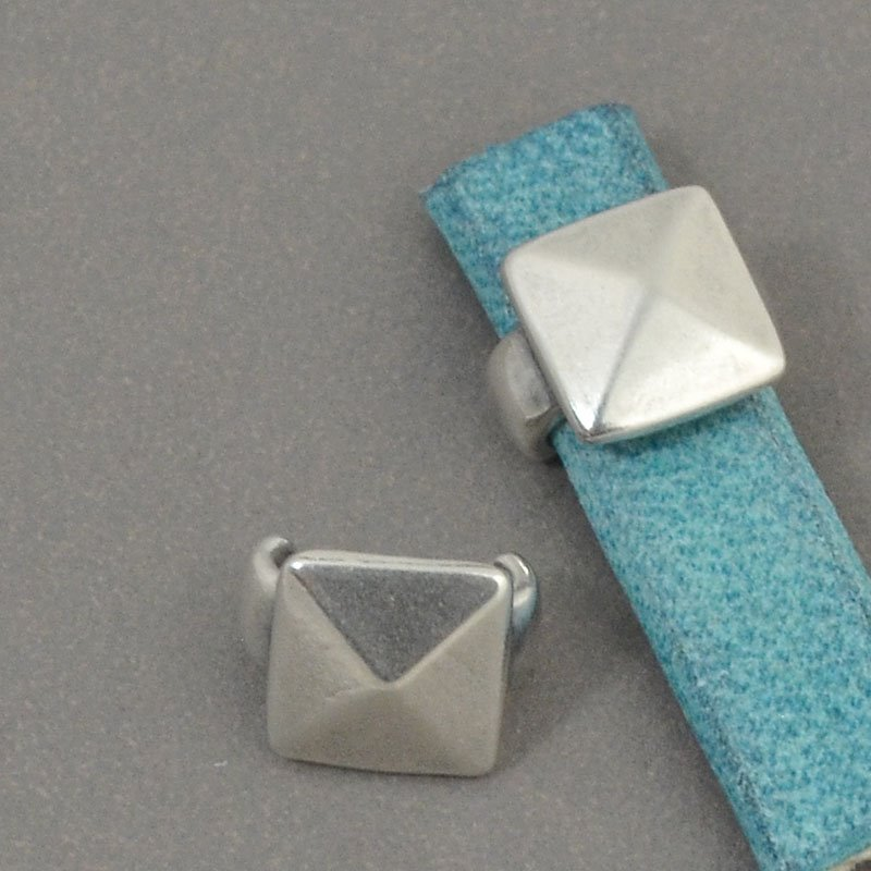Beads - 5 mm Flat Leather - Square Stud - Antiqued Silver (5)