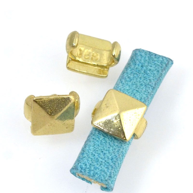 Beads - 5 mm Flat Leather - Square Stud - Bright Brass (5)