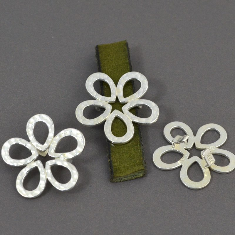 Beads - 10 mm Flat Leather - Hammered Flower - Bright Silver