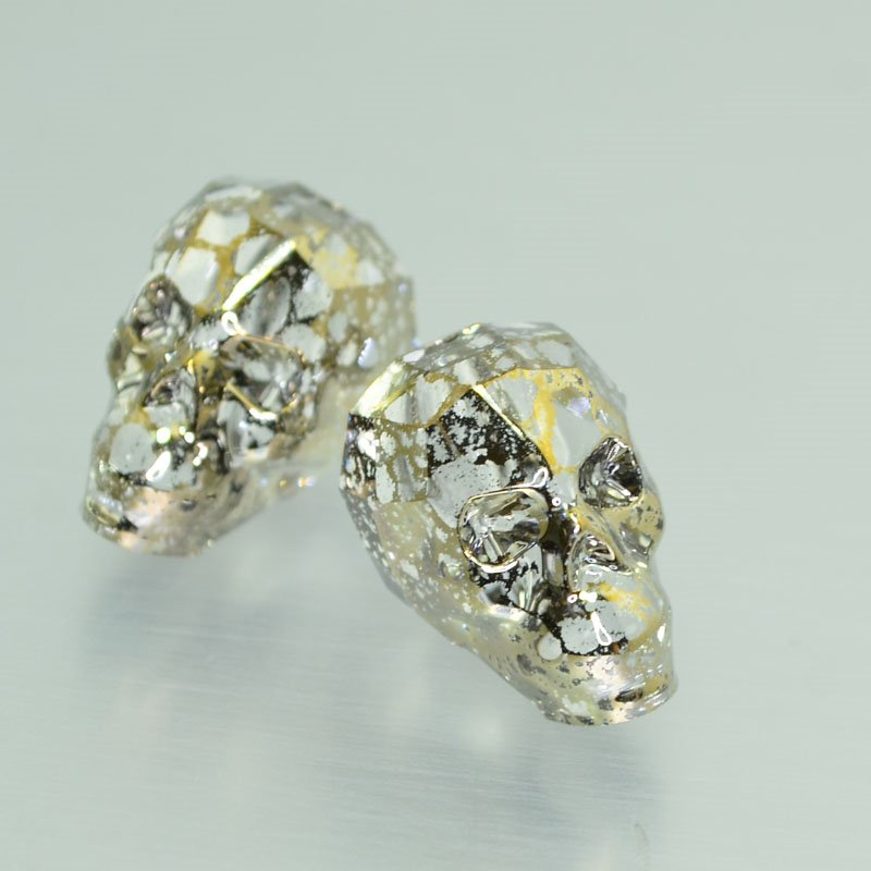 27757500080002 Swarovski Bead - 19 mm Faceted Skull (5750) - Crystal Gold Patina (1)