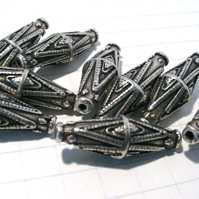 28801754 Metal Beads -  Double Diamond Motif Bicone - Antiqued Silvertone (1)