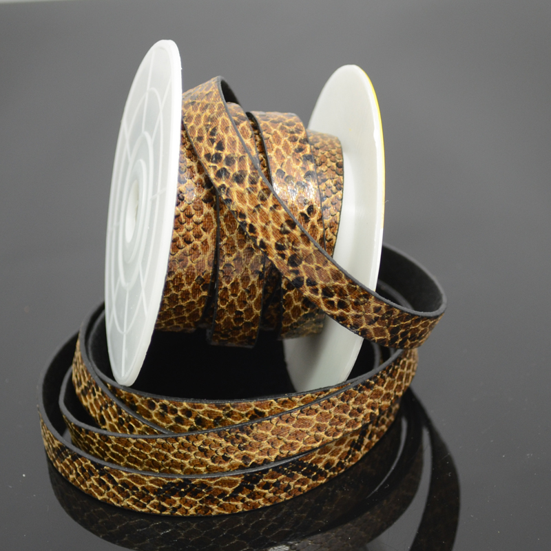 75103003-00 Leather Strip - 10 mm Faux Snake - Desert Dune (Inch)