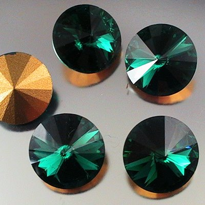 s11293 Swarovski Vintage Rhinestones - 16 mm Rivoli Cut Pointed Back Foiled Rhinestone - Emerald (1)