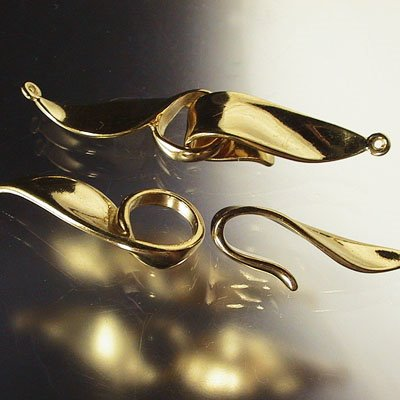 s13711 Findings - Hook and Eye Clasp -  Hooked on You - Vermeil (1)