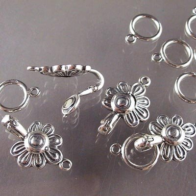 s16707 Sterling - Magnetic Hook Clasp -  Medallion Flower - Sterling (1)