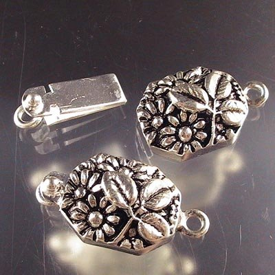 s18703 Finding - Box Clasp -  Shy Flowers under a Leaf - Sterling (1)