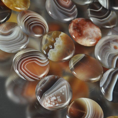 s25136 Stone Beads - 25 mm Coin - Banded Agate (1)