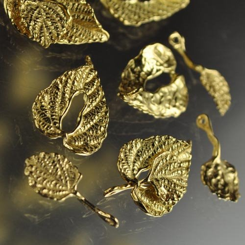 s27648 Findings - Toggle Clasp -  Unique Layered Leaf - Vermeil (1)