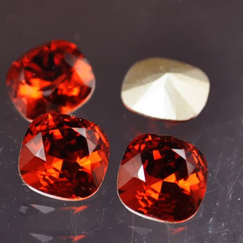 s30413 Swarovski Rhinestones - 10 mm Faceted Cushion Cut (4470) - Indian Red (1)