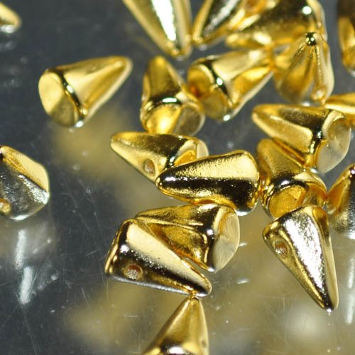 s33064 Glass Beads - 8 mm Baby Spikes - 24 Karat Gold Plated (6)