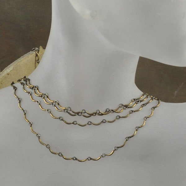 s33818 Chain - Delicate Dainty Curves - Antiqued Brass (Metre)