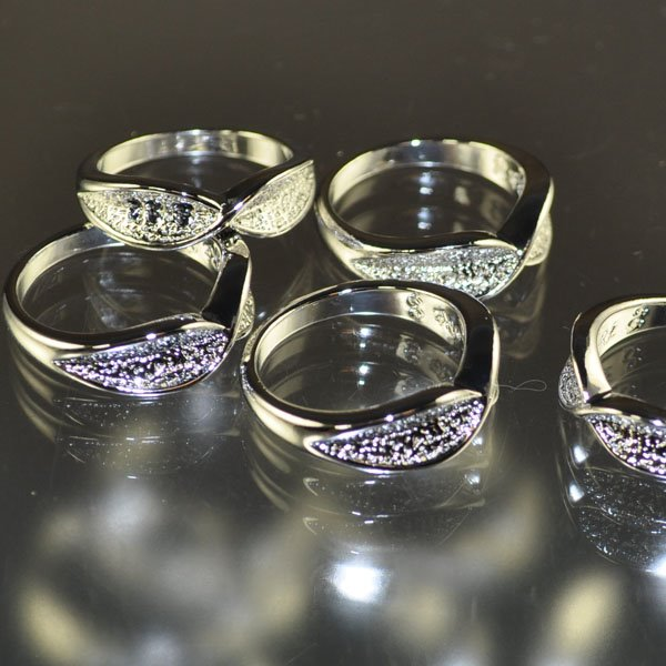 s34382 Findings - Size 7 3/4 Eyeglass Ring - Silverplated (1)