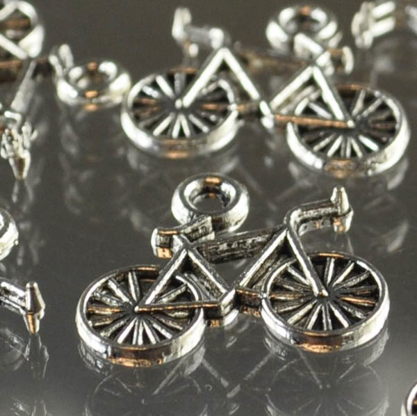 s34644 Metal Charm/Pendant -  Bicycle - Antiqued Silver (1)