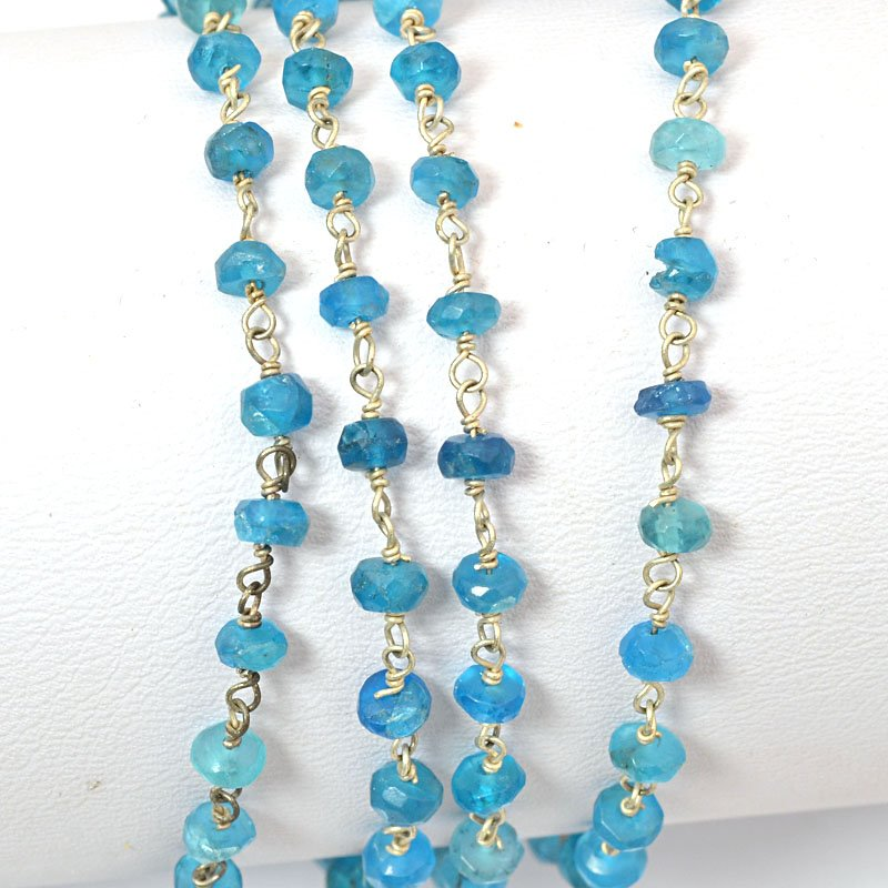 s34698 Gemstone Chain - 4mm Faceted Rondelle on Wire Link - Blue Chalcedony / Silver (foot)