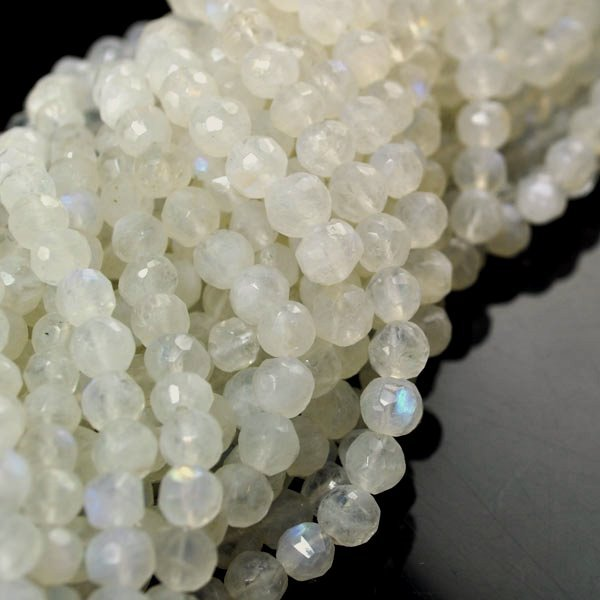 s34744 Stone Beads - 6 mm Faceted Round - Moonstone (strand)