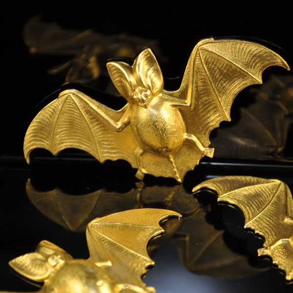 s35317 Findings - Stamped -  Brendas Bats - Brass (1)