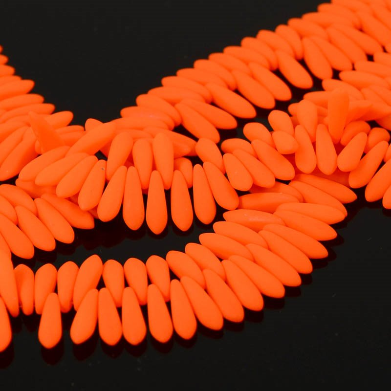s36451 Glass Daggers - 3 x 11 mm Dagger Beads - Neon Orange (1)
