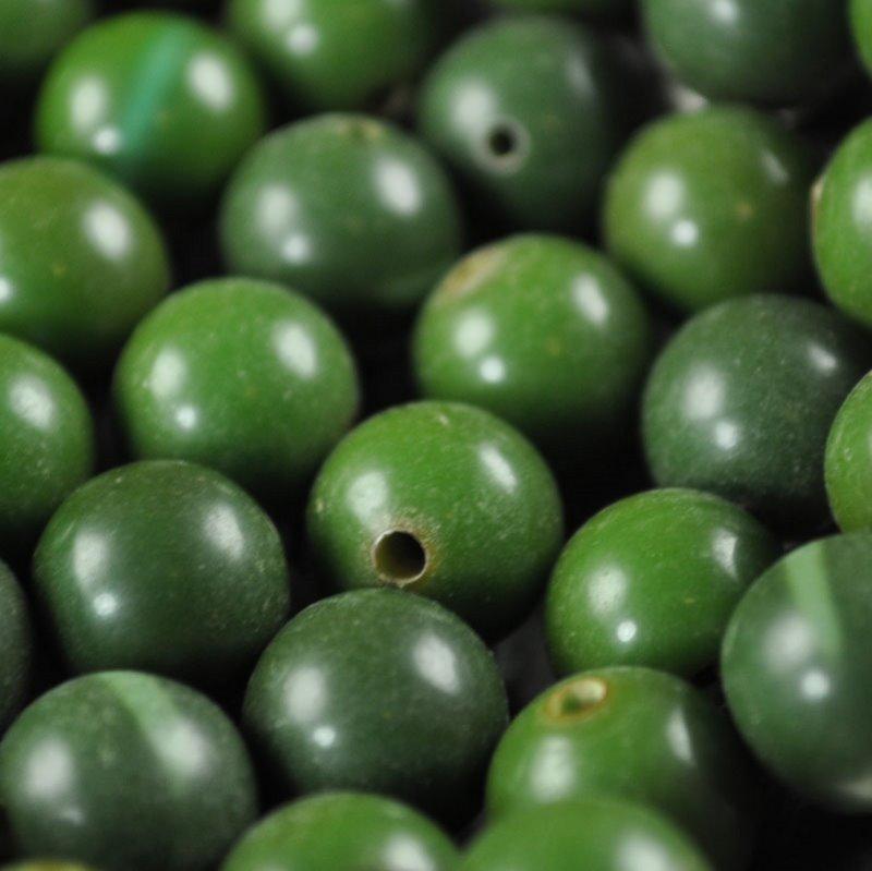 s36674 Vintage Bakelite - 9.5 mm Round - Wild Lime (1)