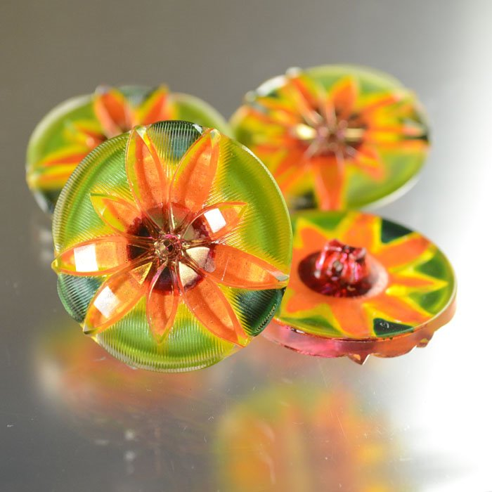 s36805 Button - 1.25 inch Exploding Flower - Orange Grove (1)