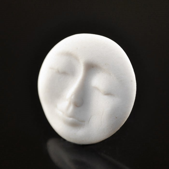 s36833 Ceramic Cabochon - Small Round Zen Moon Face - White (1)