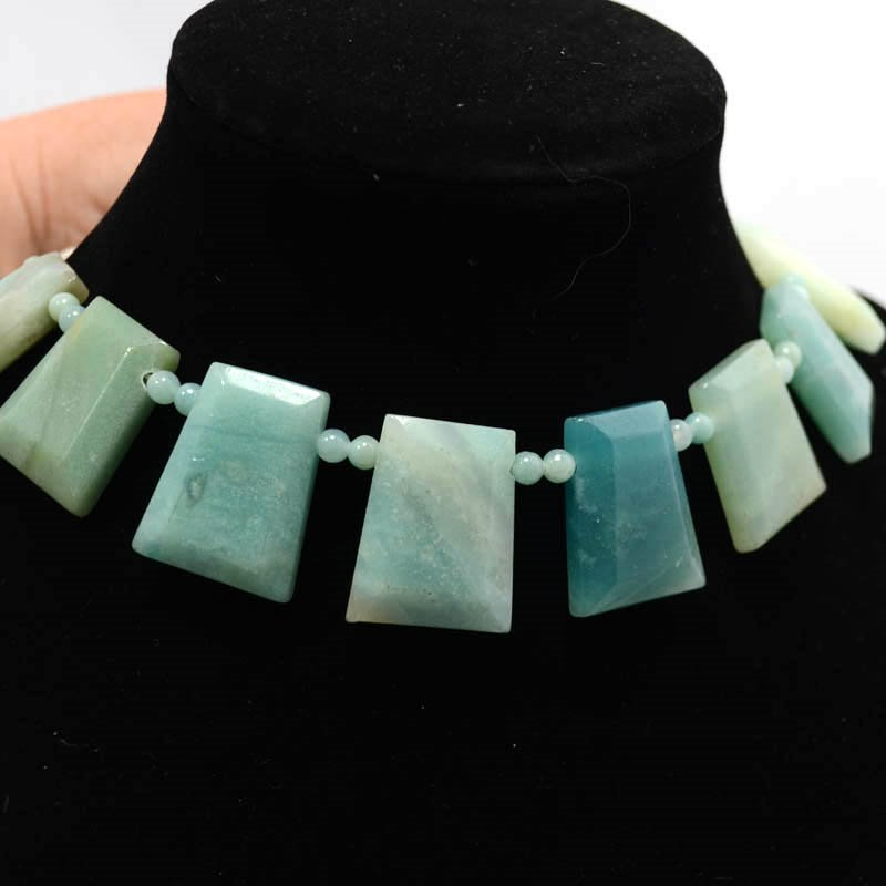 s36949 Stone Beads - Faceted Trapezoid w 4 mm Rounds - Amazonite (strand)