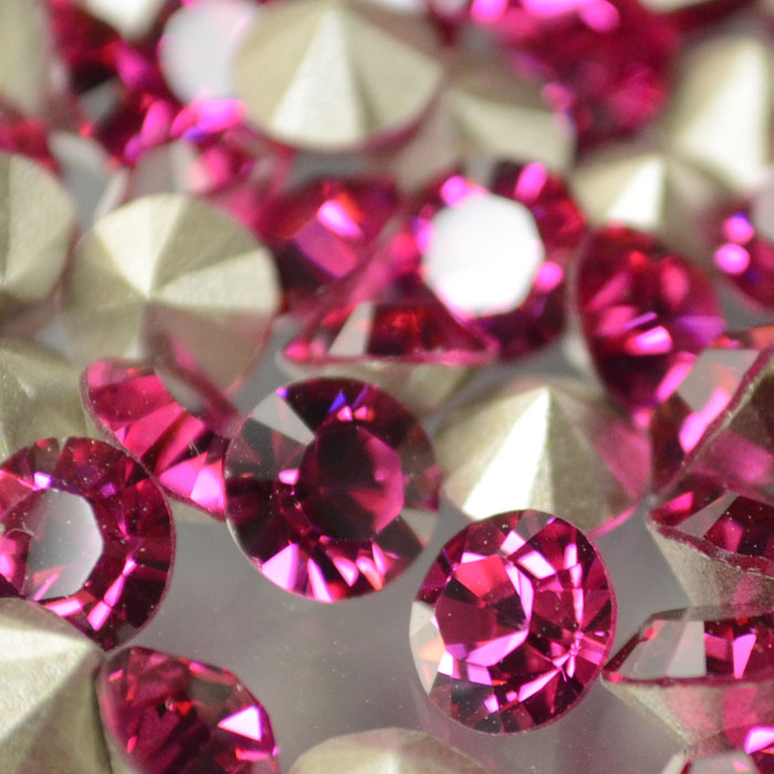 s37328 Swarovski Elements - Rhinestones - SS 30 Xilion Chaton (Article 1028) (Foiled) - Fuchsia (1)