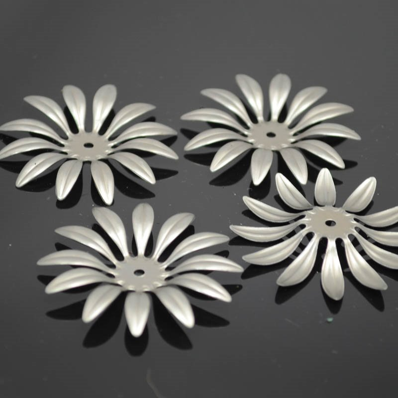 s37804 Stamped Metal Components - 45 mm Sunflower Petals - Stainless Steel (1)