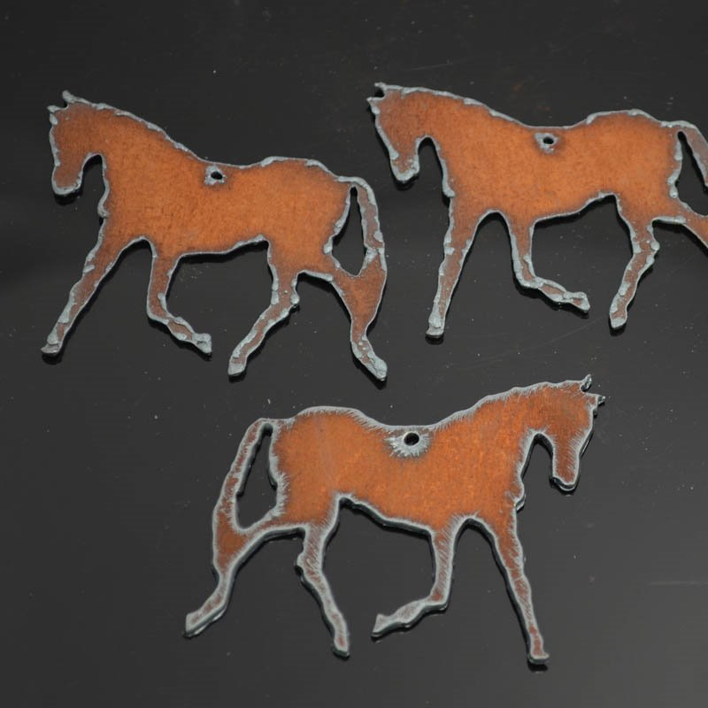 s38291 Stamped Metal Components -  Trotting Thoroughbred - Rusted Iron (1)