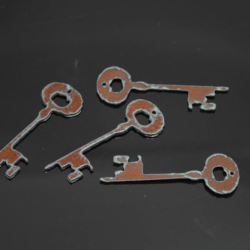 s38292 Stamped Metal Components -  Key to the Cabin - Rusted Iron (1)