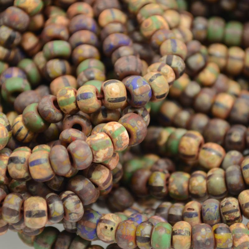 s38494 Czech Seedbeads - 4 x 6 mm Seedbead - Temple of Doom (ministrand)