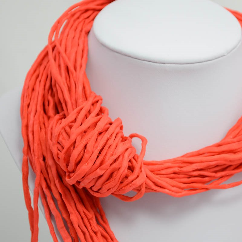 s39047 Stringing -  Silk Strings - Screaming Orange (1)