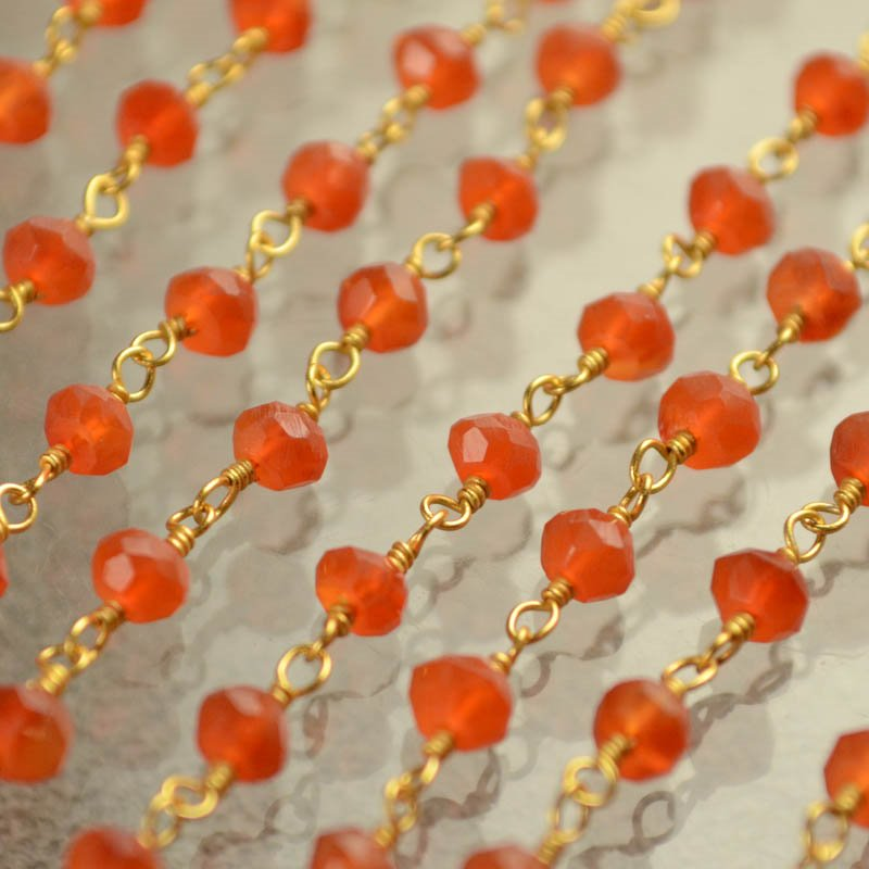 s40430 Gemstone Chain - 3 mm Faceted Rondelle on Twisted Link - Carnelian / Gold (foot)