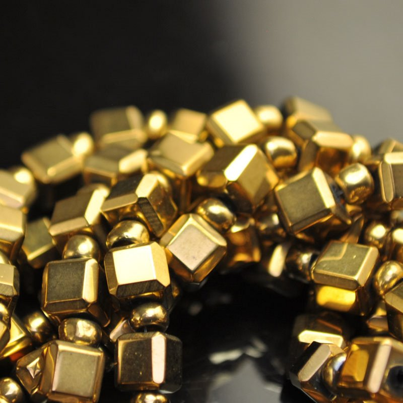 s40891 Glass - Vintage -  Cubes and Rondelles - Pirate Gold (strand)