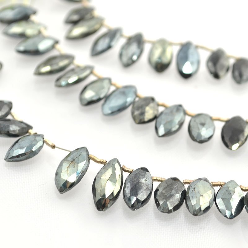 s44081 Stone Beads -  Faceted Navette - Pyrite (strand)