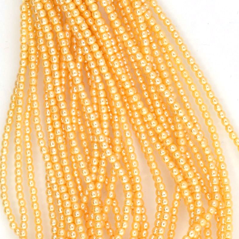 s44396 Glass Pearls - 2 mm Round - Light Apricot (strand 150)