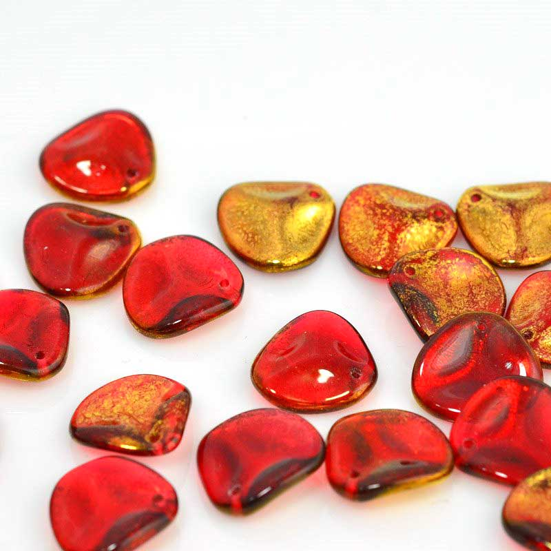 s45629 Glass Beads - 13 x 14 mm Rose Petal - Antique Gold Ruby (25)