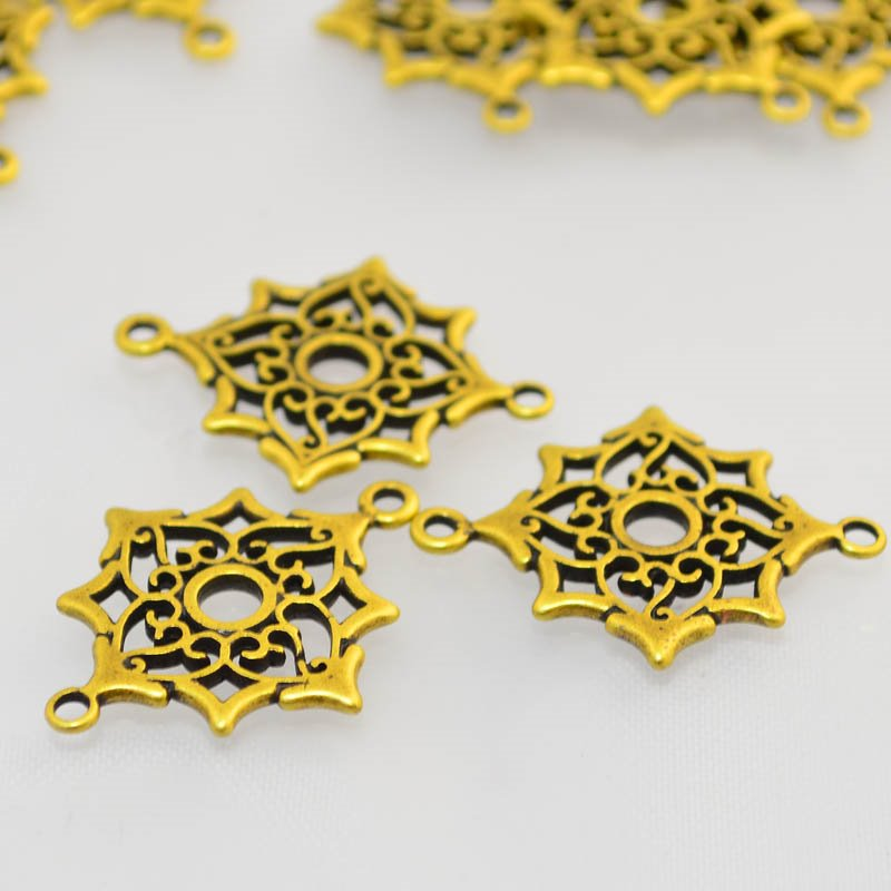 s46866 Finding - Link -  Fancy Snowflake - Antiqued Brass (1)