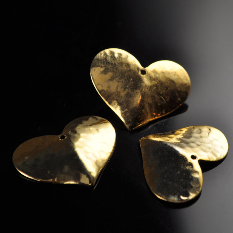s47535 Stamped Metal Component -  Hammered Heart - Bright Brass (1)