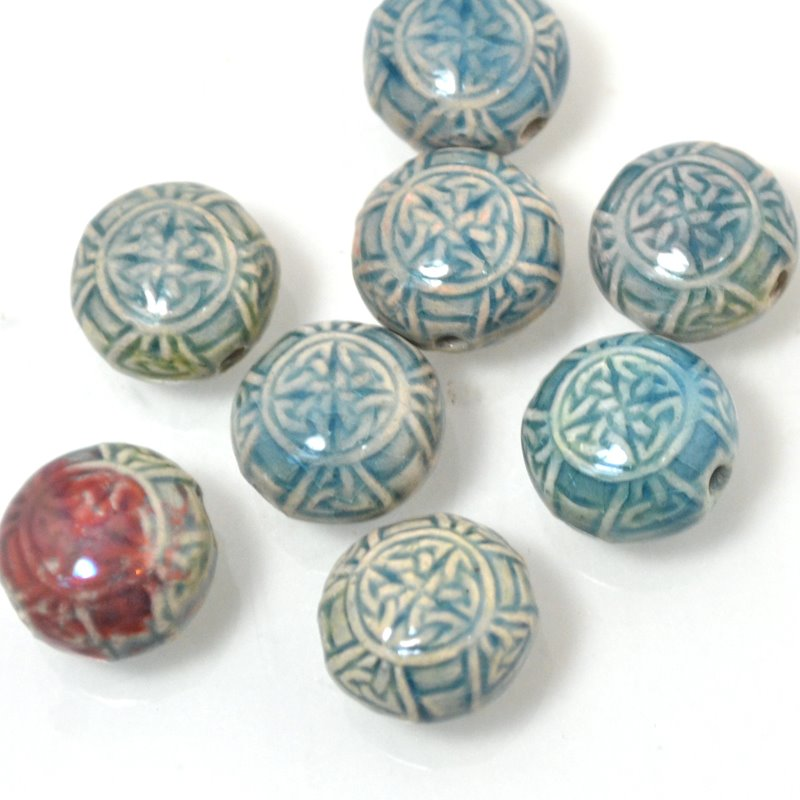 s49057 Ceramic Bead - Small Celtic Knotwork Bead - Raku