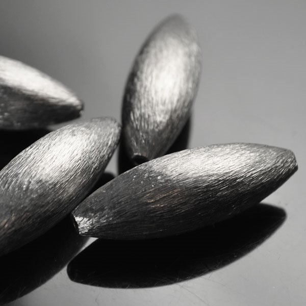 s50127 Metal Bead - 10 x 32 mm Long Oat - Gunmetal (10)