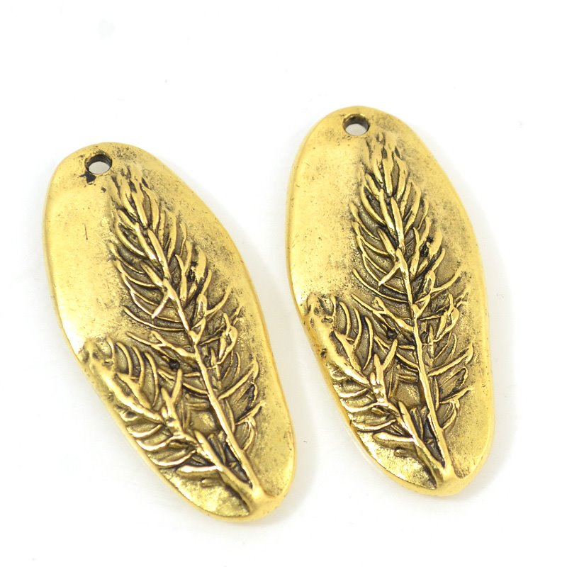 s53593 Charm/Pendant - Denali - Antique Gold
