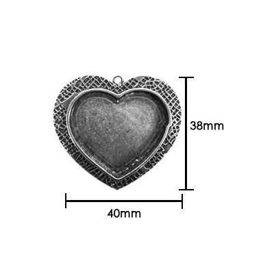s55911 Resin Bezel - Medium Milan Heart - Antiqued Silver
