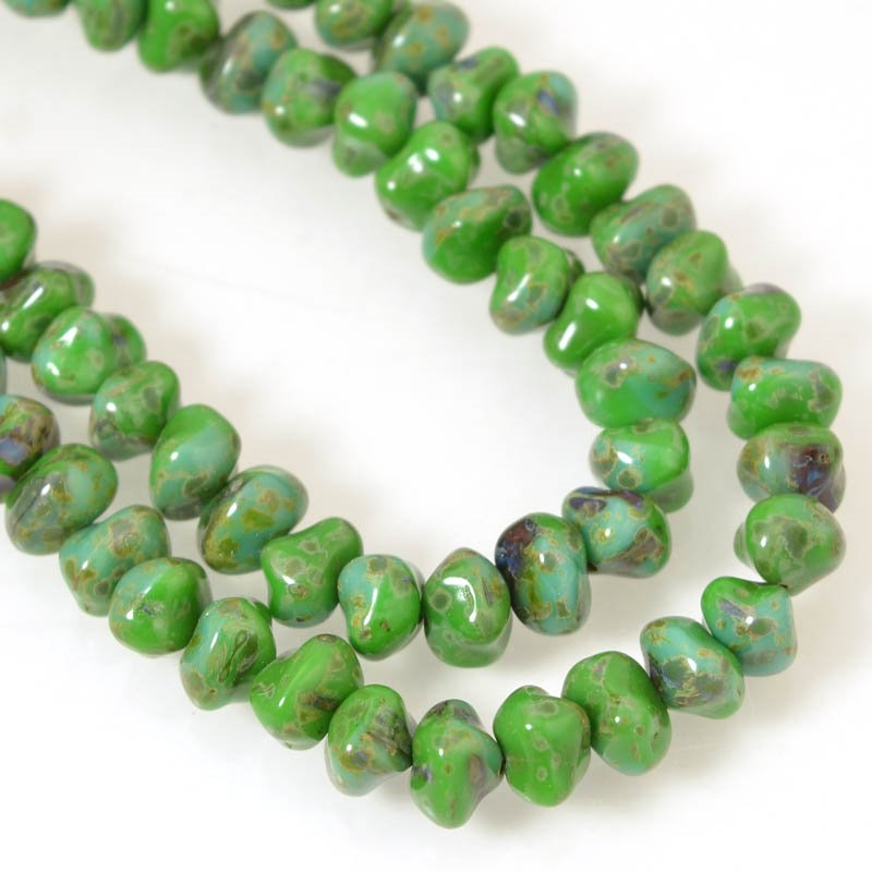 s56182 Glass - Nuggets - Lucky Green (strand)
