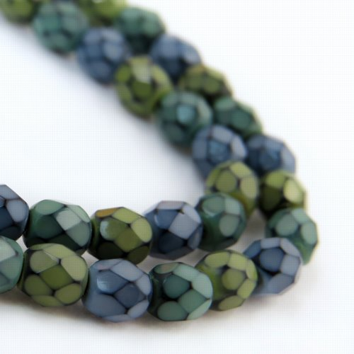 s57189 Firepolish - 4 mm Faceted Round - Snake Wind (Strand)