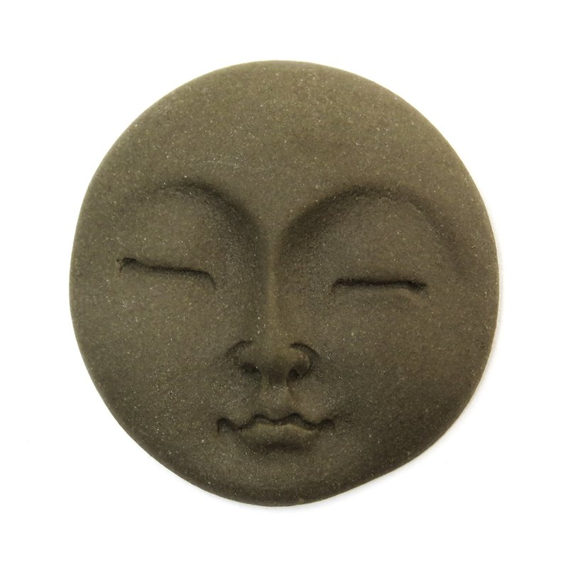 s58745 Ceramic Cabochon - Round Zen Moon Face - Milk Chocolate