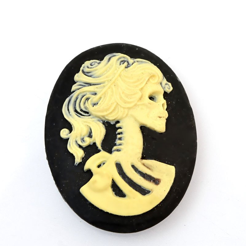 s60390 Resin Cameo Cabochon - 30 x 40 mm Skeleton Girl - Bone / Black