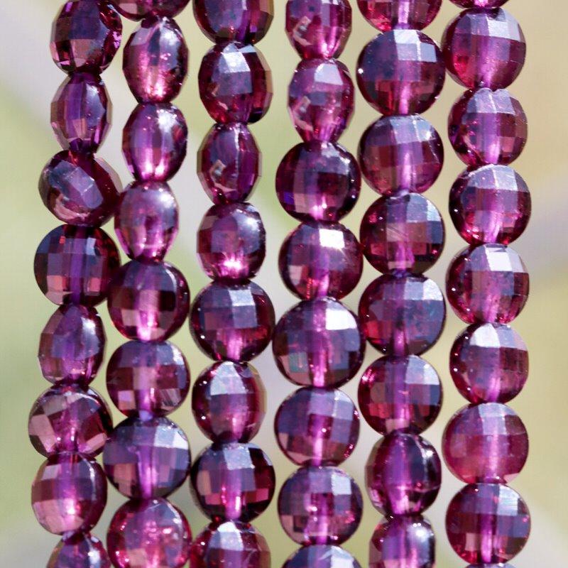 s62480 Stone Beads - 4mm Diamond Cut Faceted Coin - Purple Garnet (strand)