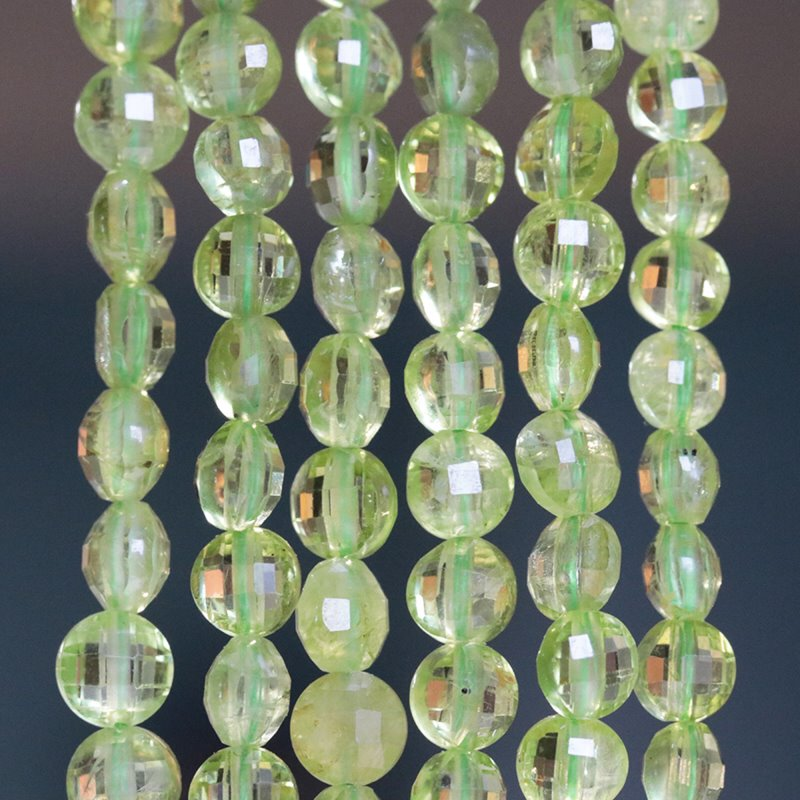 s62484 Stone Beads - 4mm Diamond Cut Faceted Coin - Peridot (strand)